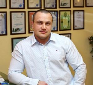 Кириенко Андрей Владимирович - главный врач центра